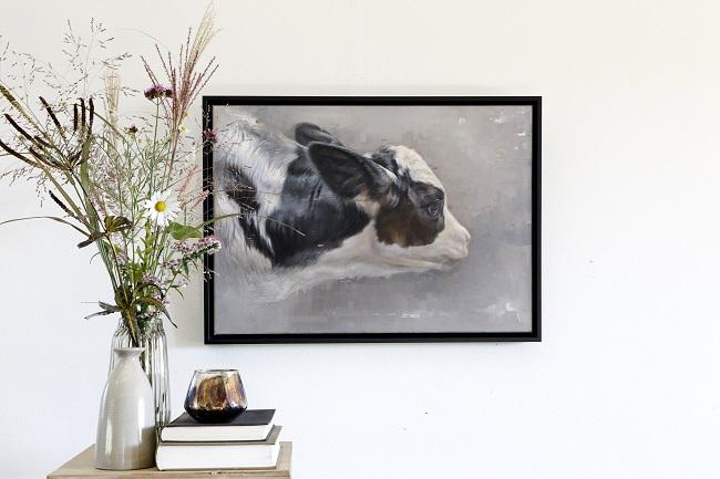 koeien schilderijen - zwartbont kalf - olieverf schilderij kalfje - annabelle ingelijst