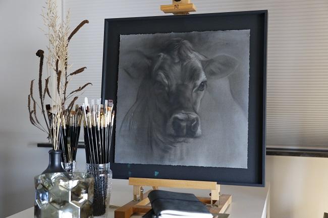 tw jersey 4 ingelijst portret koe in mixed media door jennifer koning (2)